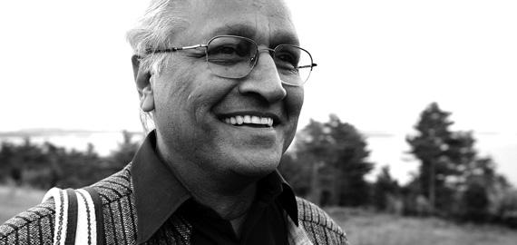 Sanjit « Bunker » Roy, fondateur de l'Université des Va-Nu-Pieds (Rajasthan, Inde)